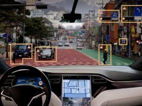 سيارة تسلا - المركبات ذاتية القيادة