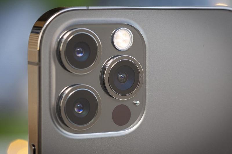 كاميرا آيفون 12 برو ماكس - آيفون 14
