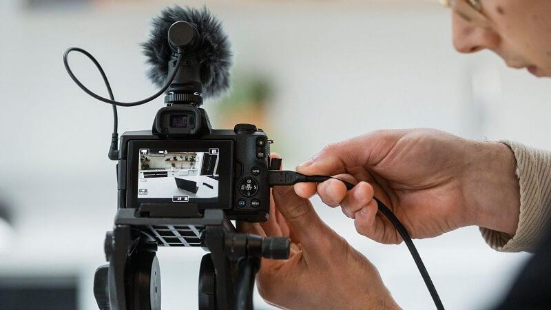 البث المباشر - كاميرا Canon EOS M50 Mark II