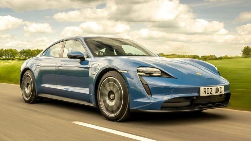 بورش تايكان - بورش تستدعي 43 ألف سيارة كهربائية