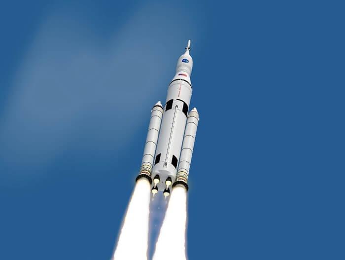 صاروخ SLS الثقيل