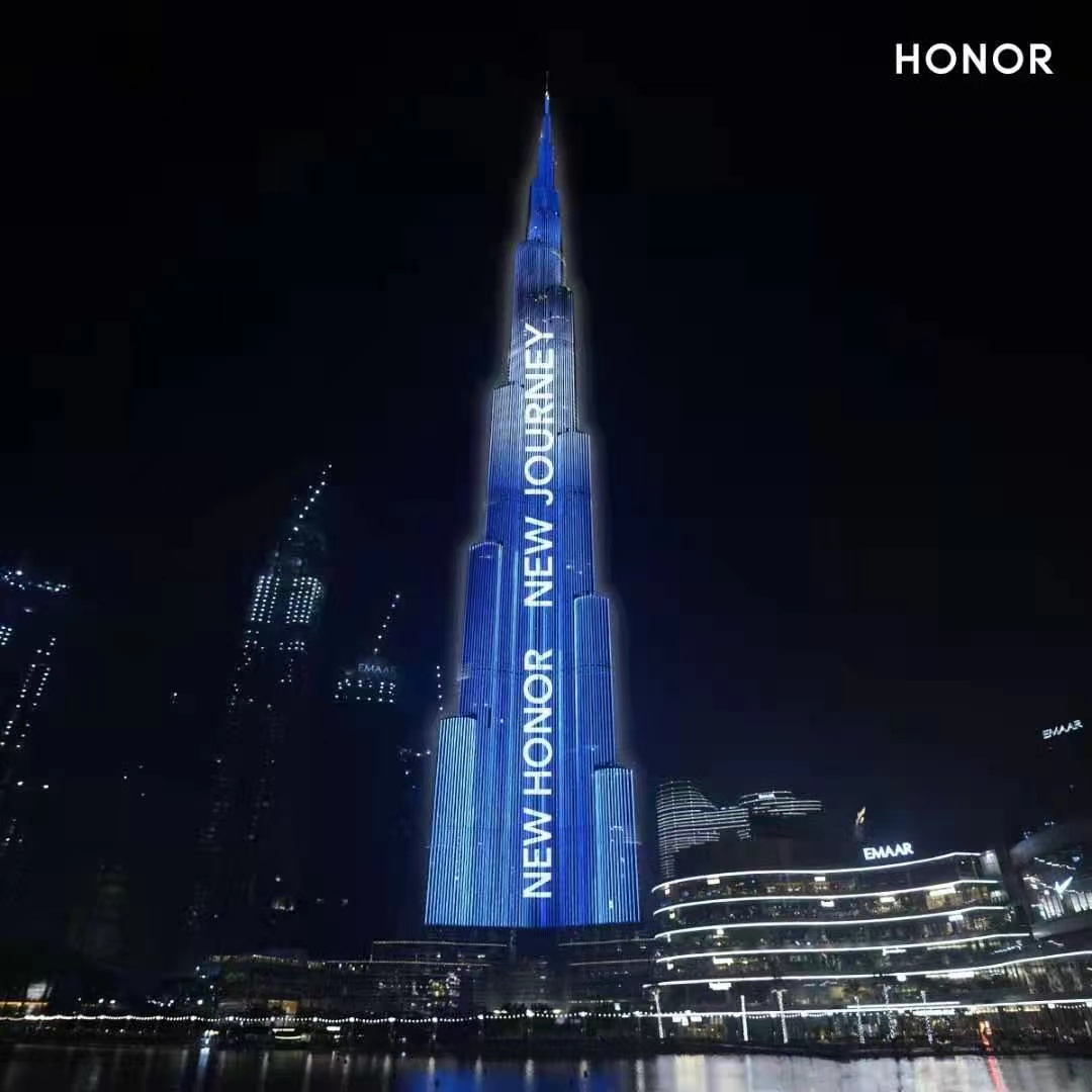 Honor تضيئ برج خليفة