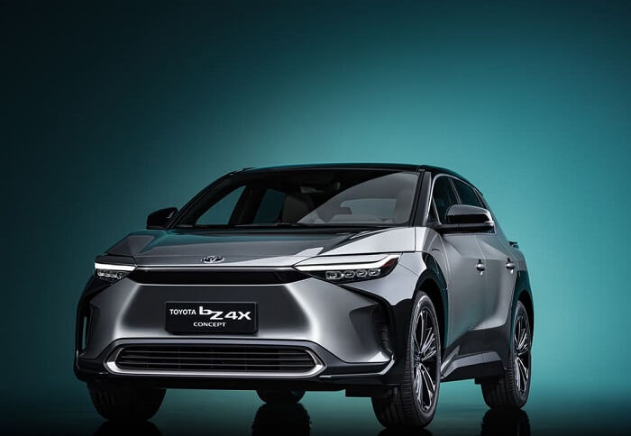 مفهوم سيارة تويوتا BZ4X الكهربائية - تكنولوجيا بطاريات السيارات